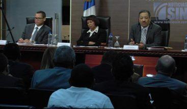 Roberto Rosario aclara que los centros de cedulación seguirán vigentes