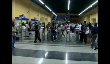 Usuarios del Metro continúan teniendo problemas para utilizar sus tarjetas