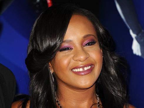 Policía trata como homicidio la muerte de la hija de Whitney Houston