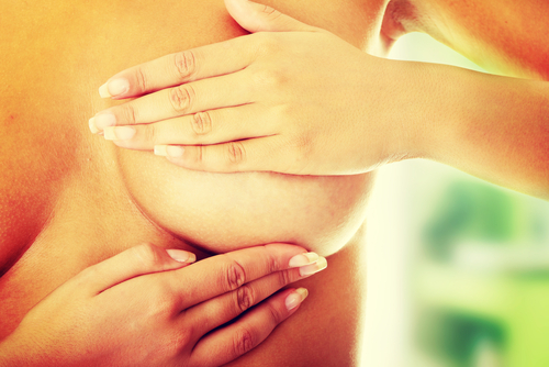 ¡Quiérete! Examinar tus pechos puede salvar tu vida