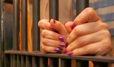 Dictan 15 años de prisión contra mujer roció ácido a joven en Las Cañitas