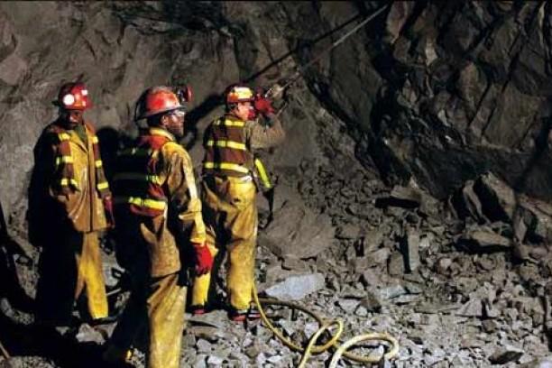 Al menos 32 mineros mueren tras explosión en una mina de Donetsk