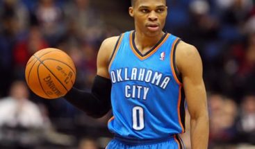 Warriors, Spurs y Thunder amplían ventaja; brillan Curry, Durant y Westbrook
