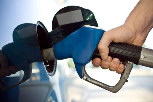 Gasolinas bajan entre RD$1.10 y RD$1.30