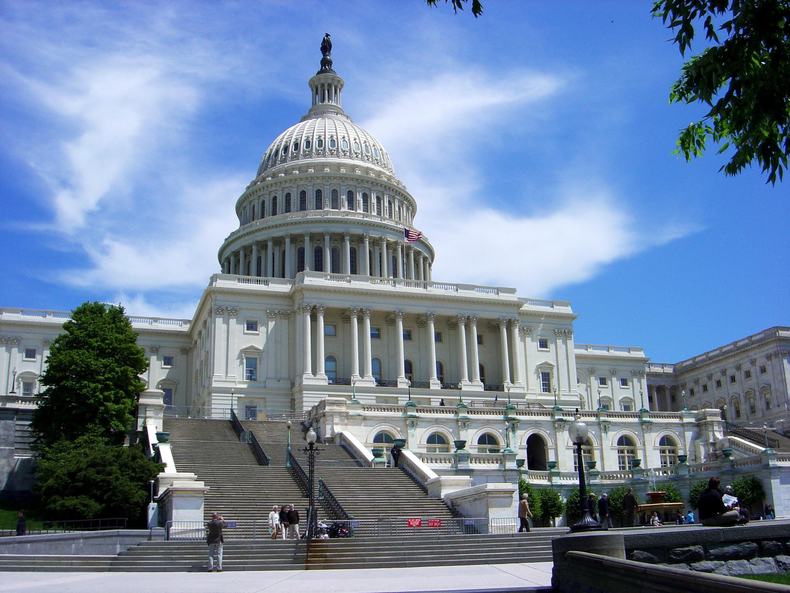 Congreso de EEUU se prepara para desafiar mañana a Kerry en acuerdo con Irán