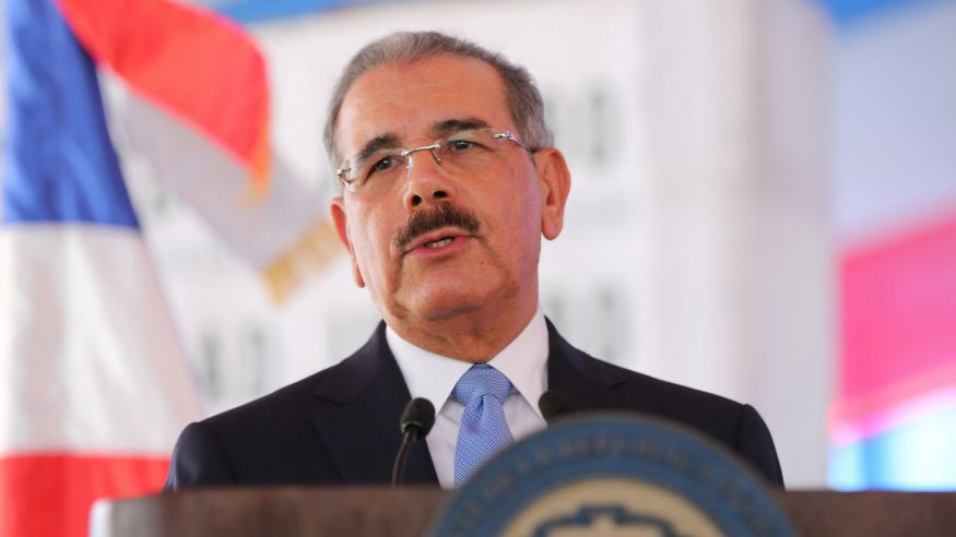 Presidente Medina asiste a ordenamiento del nuevo obispo de La Vega