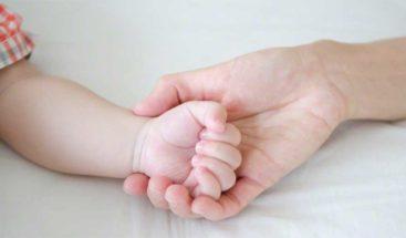 Texas niega certificado de nacimiento a bebés hispanos violando la Constitución de EE.UU.