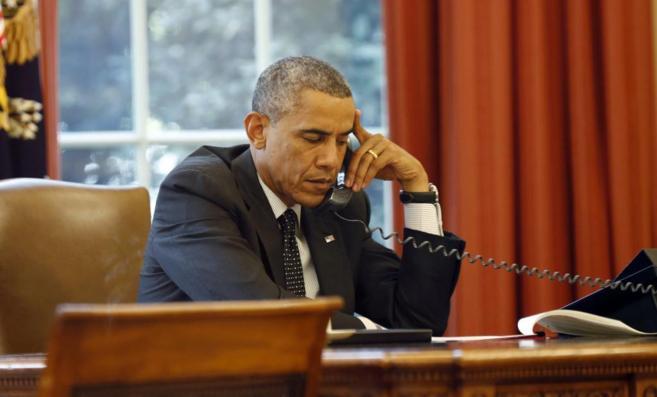 Obama y Castro hablan sobre visita del papa