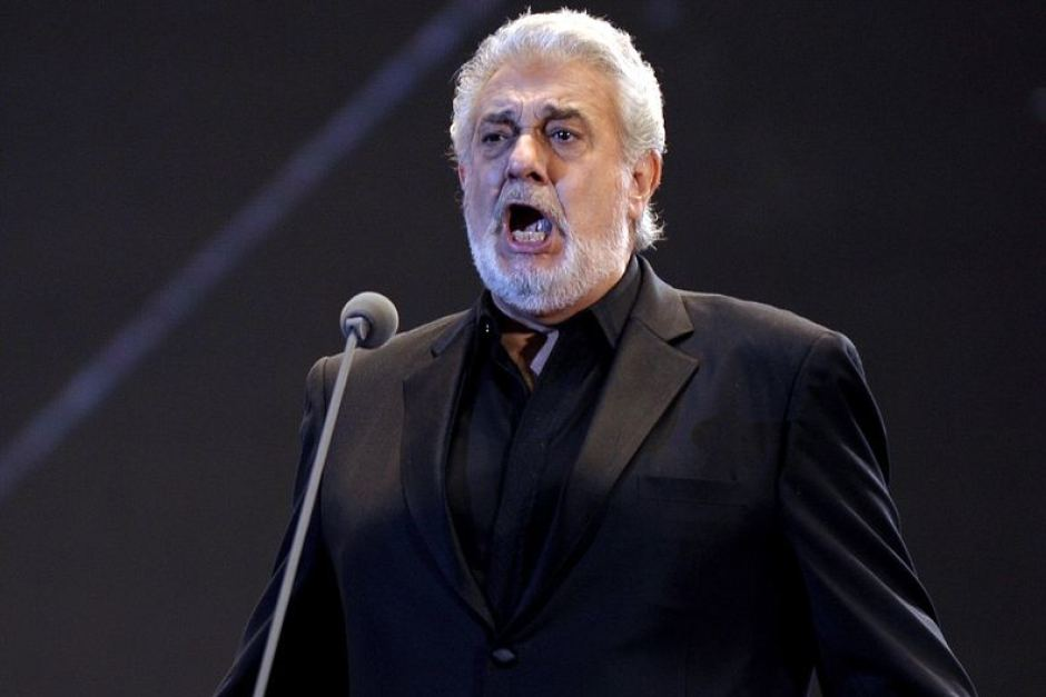 Plácido Domingo rinde tributo a su hermana en un multitudinario concierto