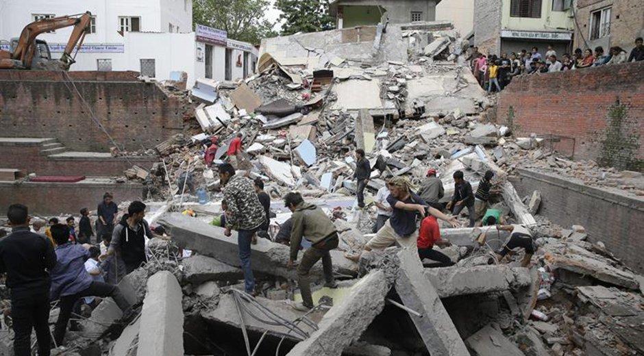 Casi un mes después del terremoto en Nepal, los muertos ascienden a 8.648