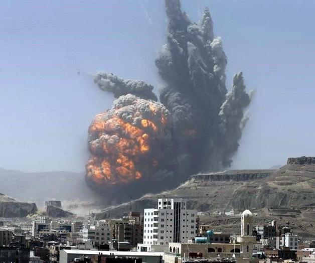 Al menos 40 muertos en bombardeo de la coalición contra un cuartel en Saná