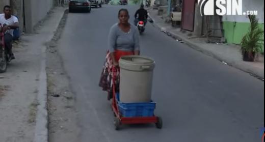 SIN en tu barrio: En el Café de Herrera llevan años sin recibir agua