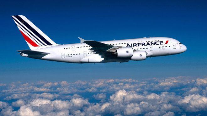 Aeronave de Air France fue escoltada por aviones militares por una amenaza