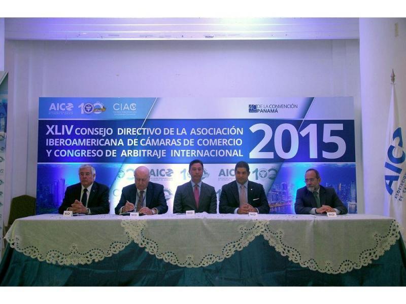 Celebran XLIV Consejo Directivo de la AICO con RD en agenda