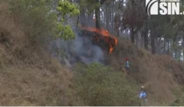 Piden declarar a Constanza en estado de emergencia por incendios forestales