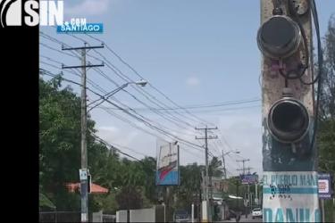 Pintan de negro contadores de Santiago en reclamo por apagones