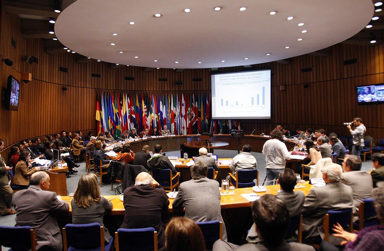 Inversión extranjera cayó un 16% en América Latina en 2014, según la Cepal