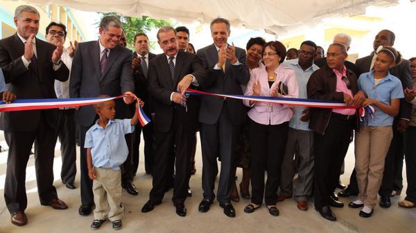 Presidente Medina inaugura centro educativo en Peravia