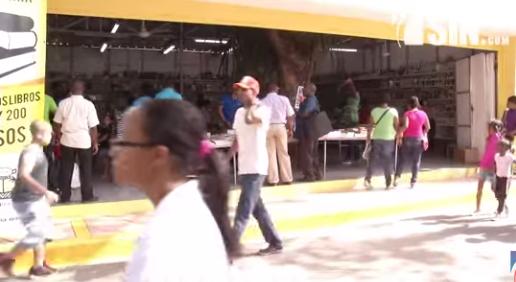 Cientos de personas se dan cita en clausura de la Feria del Libro