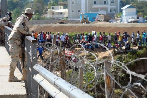 Inician construcción de pozos y lagunas en comuidades de la frontera