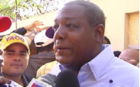 Diputado de Los Alcarrizos critica gestión de actual síndico