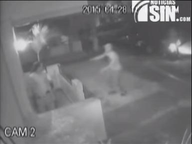 Video capta momento en que delincuentes realizan robo en residencia