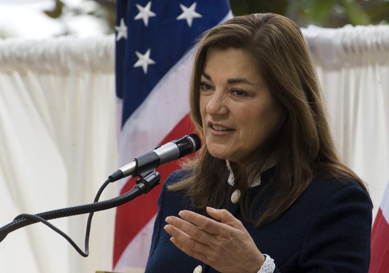 Loretta Sánchez se postula para ser la primera latina en Senado de EEUU