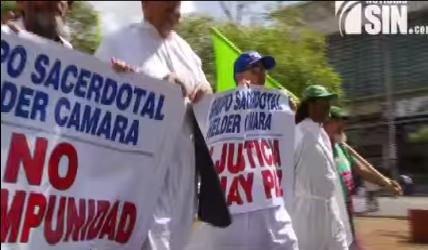 Sacerdotes protestan contra la corrupción frente a la SCJ