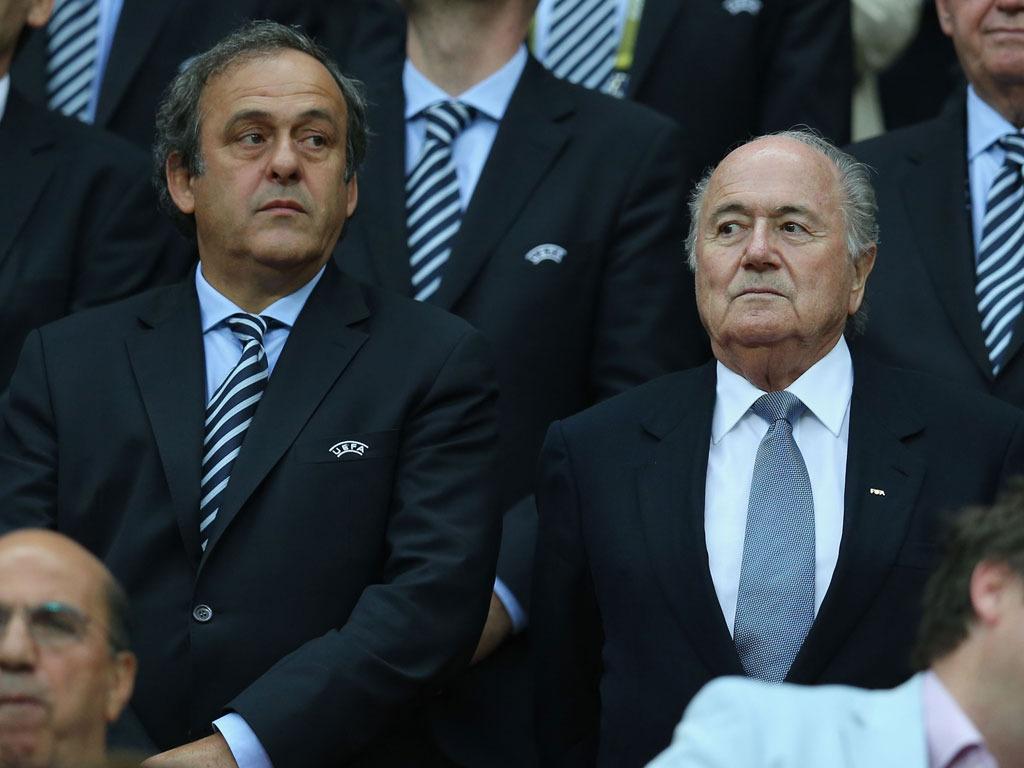 Platini confía en que Blatter pierda la elección mañana
