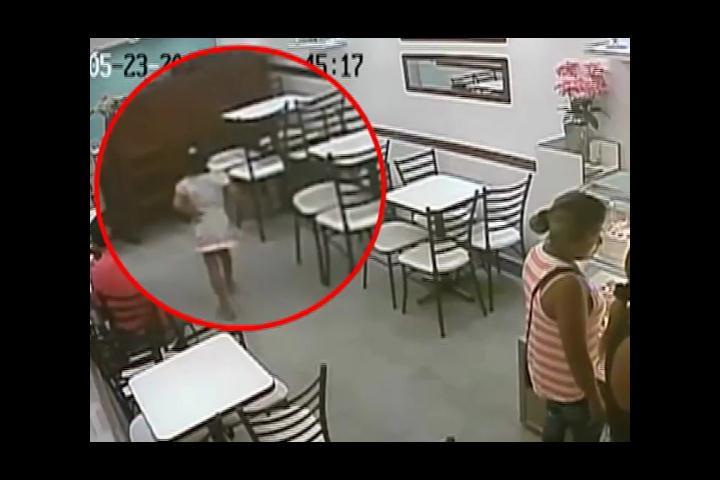 Niña de siete años utilizada por banda de asaltantes para robar en negocios