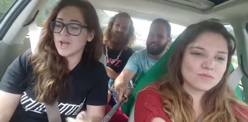 Un grupo de amigos filma su propio accidente con un paloselfi