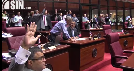 Senado aprueba en segunda lectura proyecto convoca a la Asamblea Nacional Revisora de la Constitución