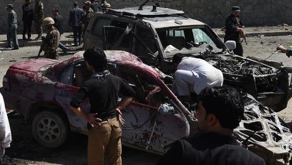 Al menos 6 muertos y 53 heridos en un atentado suicida en Kabul