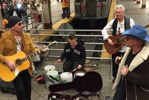 El video de la actuación poco convencional de la banda U2 en Nueva York