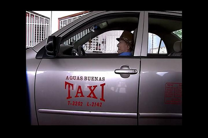 Velan hombre en el taxi que condujo por 15 años