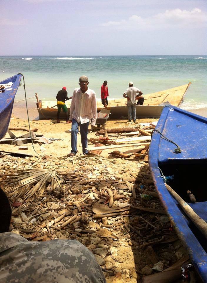 Cincuenta dominicanos permanecen varados en las costas de Cabrera