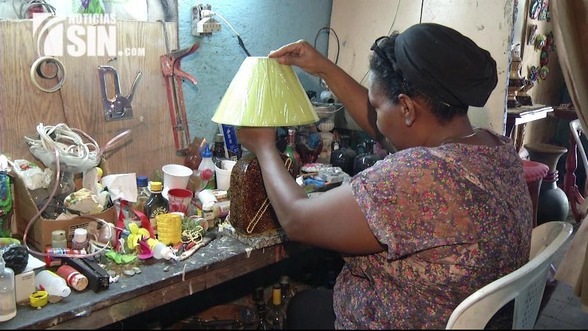 Madres trabajan incansablemente para que a sus hijos no les falte nada