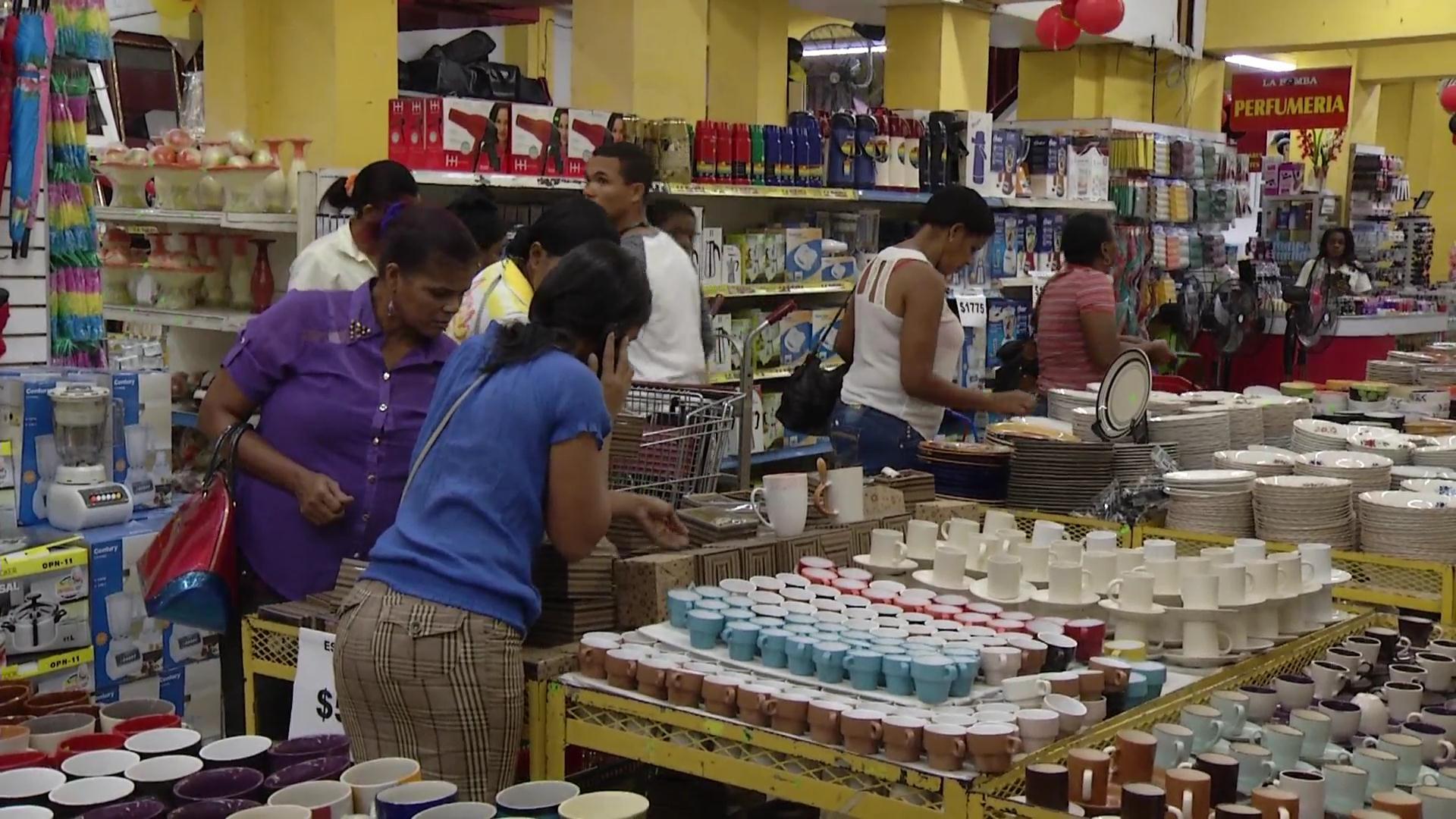 Se mantiene el flujo de clientes en busca del regalo para las madres