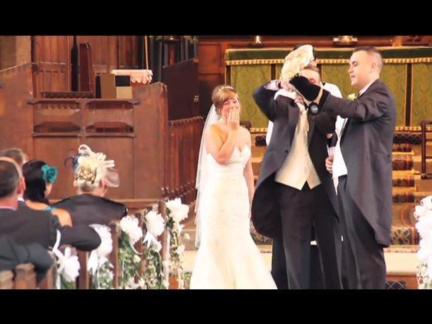 ¡Increíble! Búho porta anillos de novios en boda