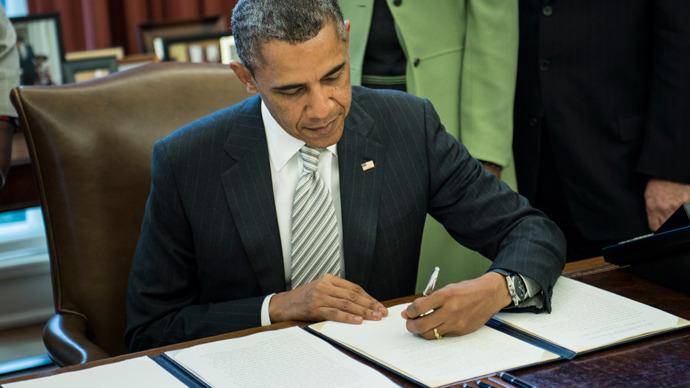 Obama firma presupuesto de 1.1 billones de dólares