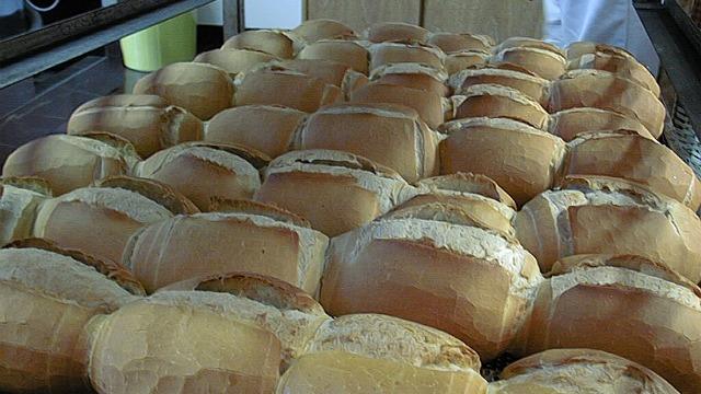 Pandilleros obligaban a comunidad a comprar pan de su panadería clandestina