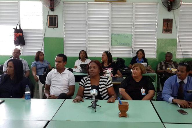 Maestros del Instituto Superior Salomé Ureña paralizan docencia