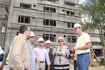 Autoridades de Salud Pública y OISOE supervisan Hospital Cabral y Báez