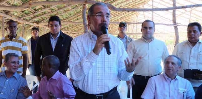 Danilo Medina realiza visita sorpresa en Pedernales y Neiba