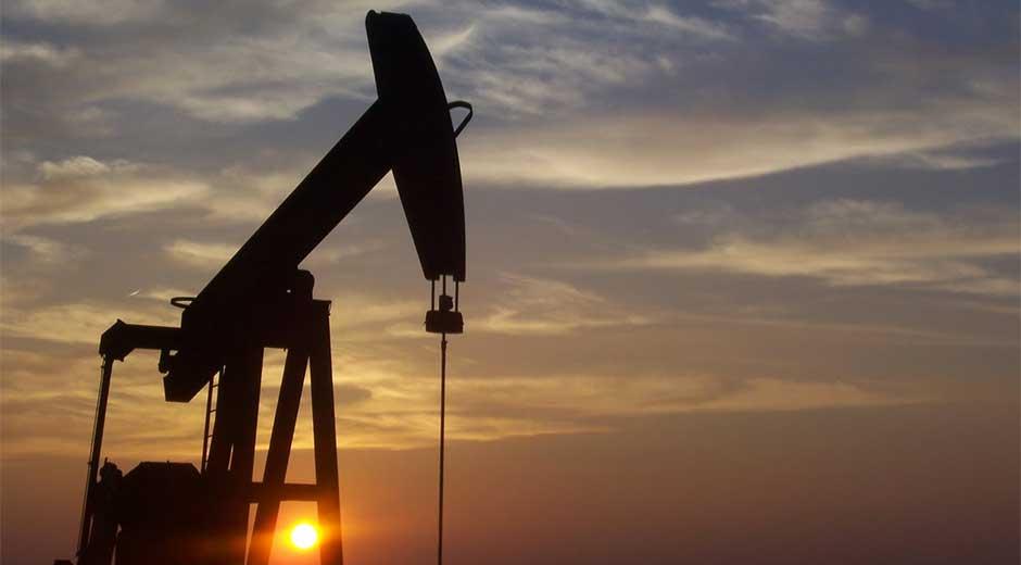 El petróleo de Texas baja un 0,53 % y cierra en 46,90 dólares