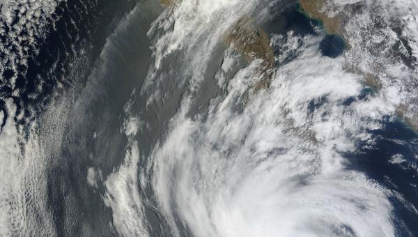 La tormenta Ida se fortalece al norte de las Antillas Menores