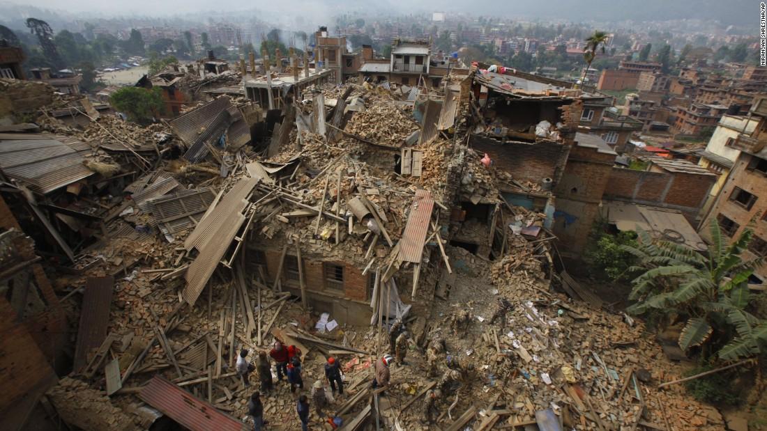 Al menos 30 muertos y 18 desaparecidos tras deslizamiento de tierra en Nepal