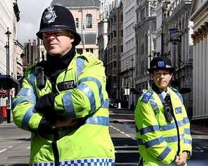 La Policía británica no podrá usar cañones de agua frente a disturbios