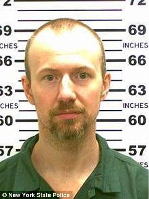 Asesino que se fugó en Nueva York deja el hospital y regresa a prisión