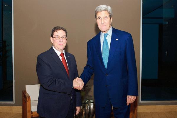 Kerry viajará a Cuba el 14 de agosto para izar la bandera de EEUU en embajada